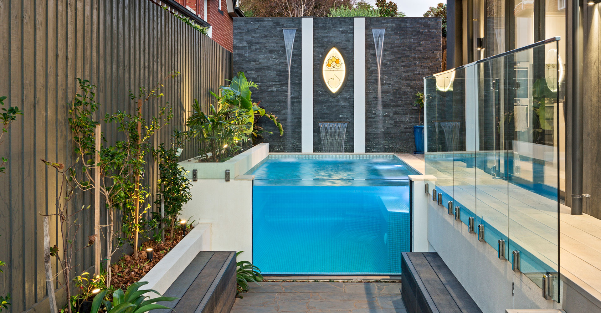 pools with glass sides melbourne