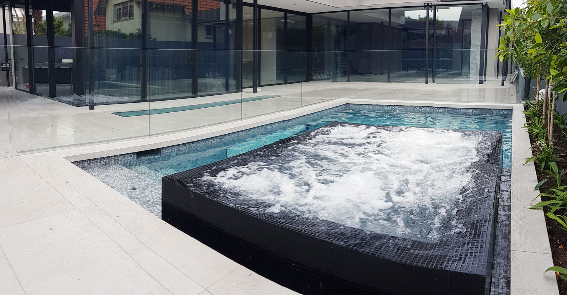 pool and spa builder melbourne